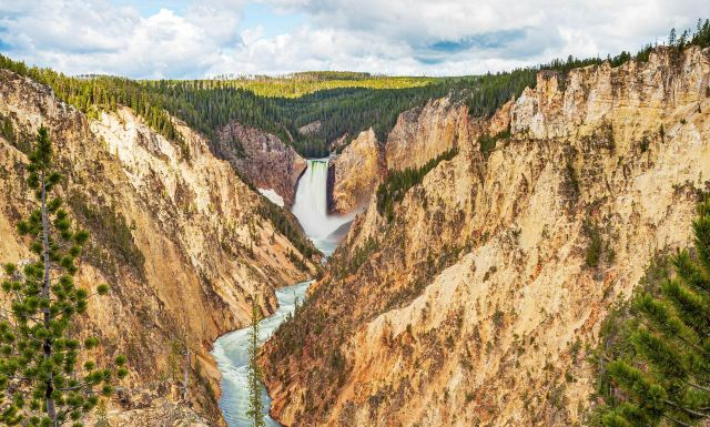 Getting Back to Nature: A Guide on Where to Stay in Yellowstone National Park