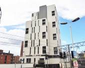 近城中心兩卧室寬敞公寓