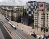 聖彼得堡垂直公寓式酒店