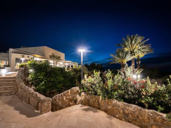 Grotta Palazzese Beach Hotel Reviews For 5 Star Hotels In Polignano A Mare Trip Com,2 Bedroom Apartments For Rent In Brooklyn Under 1300