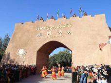 新疆南疆+阿克苏+和田+喀什8日7晚私家团·走近南疆人文之旅
