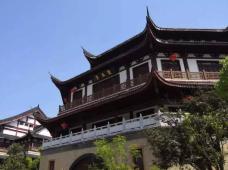 中国江西景德镇2日1晚跟团游·旅行,是一种生活方式:匠心,是一种生存态度:让我们为您讲述千年瓷都的光荣与梦想