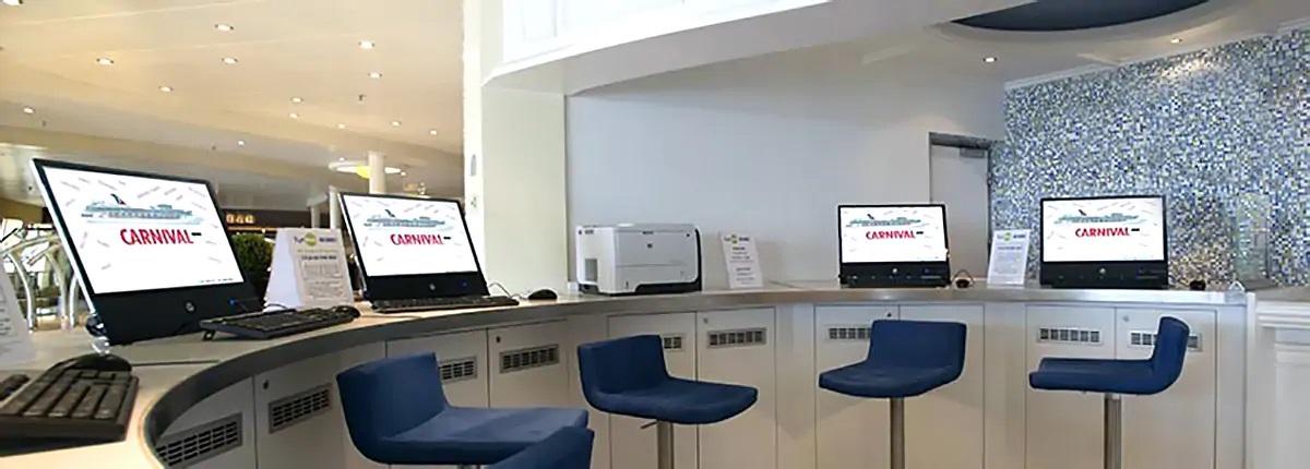 网络咖啡厅 Internet Cafe