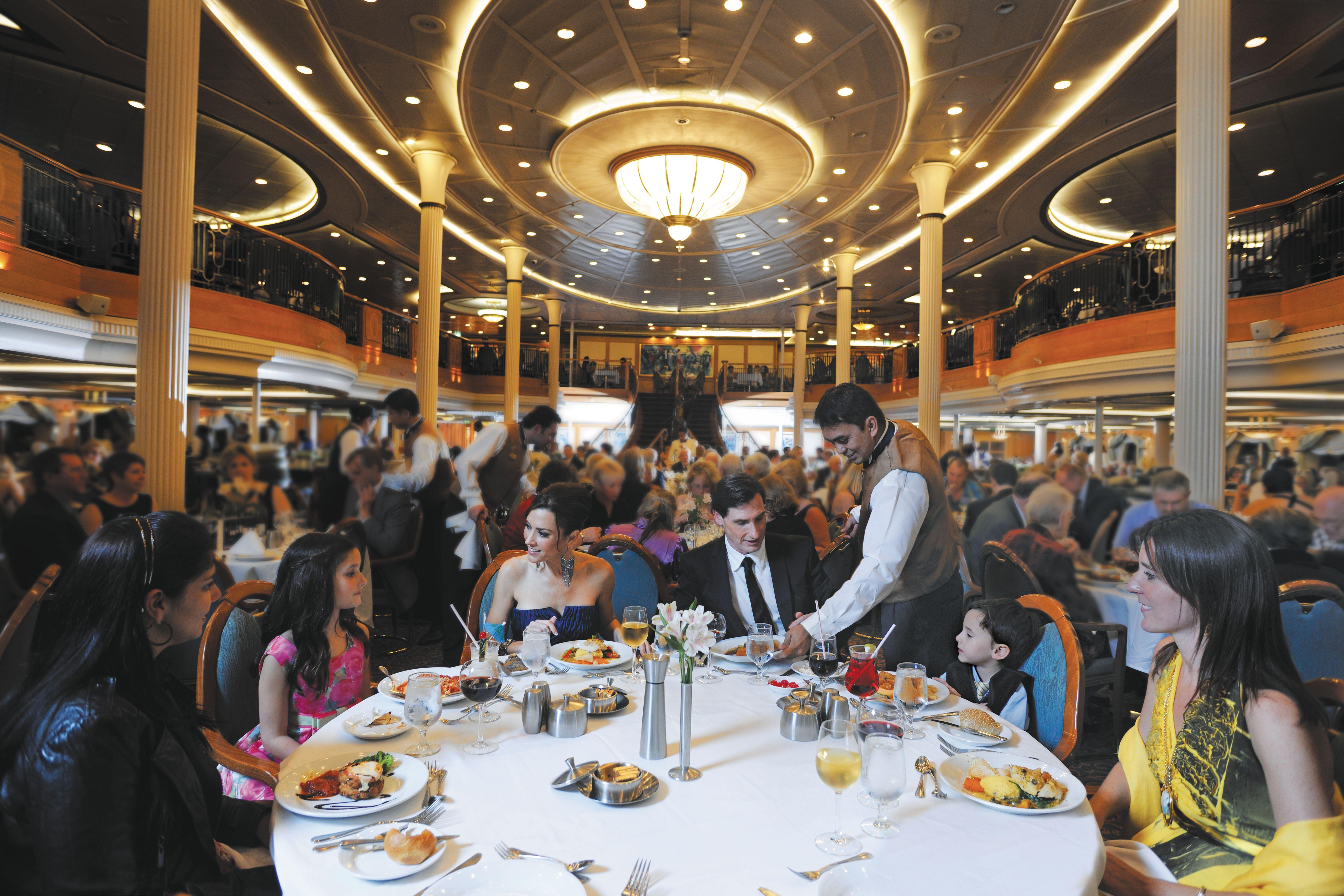 雪绒花主餐厅 Edelweiss Dining Room