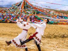 林芝+雅鲁藏布大峡谷+巴松措3日2晚跟团游·绿意盎然的景象,西藏低海拔的城市,不怕高反,新措徒步、骑马射箭玻璃桥,赠索松村一晚特色住宿,