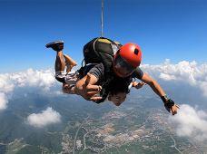 高空项目·广东惠州高空跳伞2日游【挑战自由落体+专业跳伞基地】