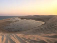 内蒙古巴丹吉林沙漠2日1晚跟团游·越野穿越+地质公园+巴丹湖+神泉+珠峰+古庙+大漠星空+粉色湖+双海子+天池