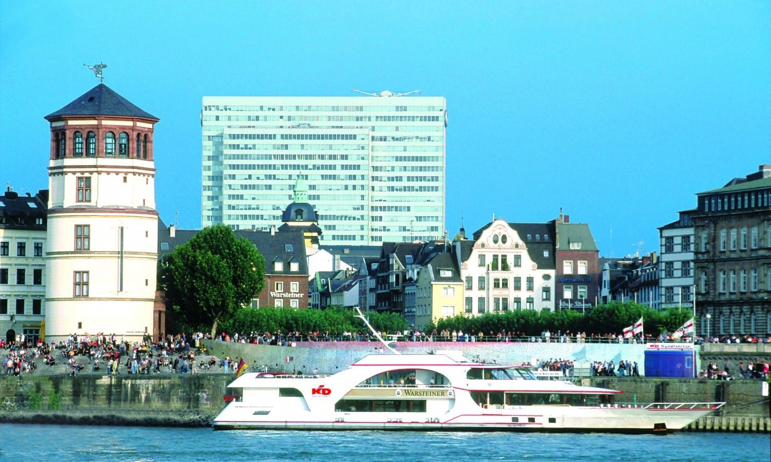Panorama River Boat Cruise in Düsseldorf