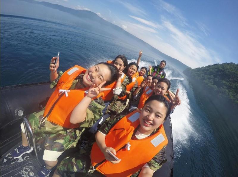 十和田湖リブツアー【青森・十和田湖】世界で最も大きな二重カルデラ湖の特別保護区を巡るボートツアー