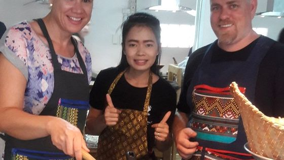 Choose 5 Dishes: Half-Day Cooking Class in Sukhumvit with Market Tour