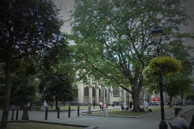 Private Bristol City Must-See Attractions Walking Tour with a Local Guide