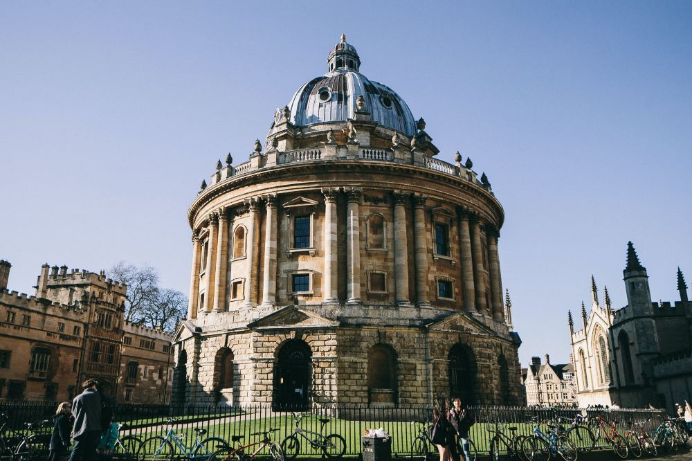 Purchase a Train Ticket to Oxford to Appreciate the Charm of Oxford