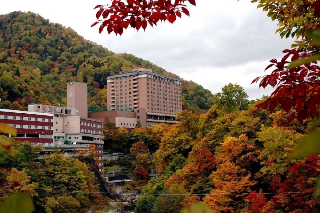 定山渓第一寶亭留 翠山亭 周辺の紅葉景色