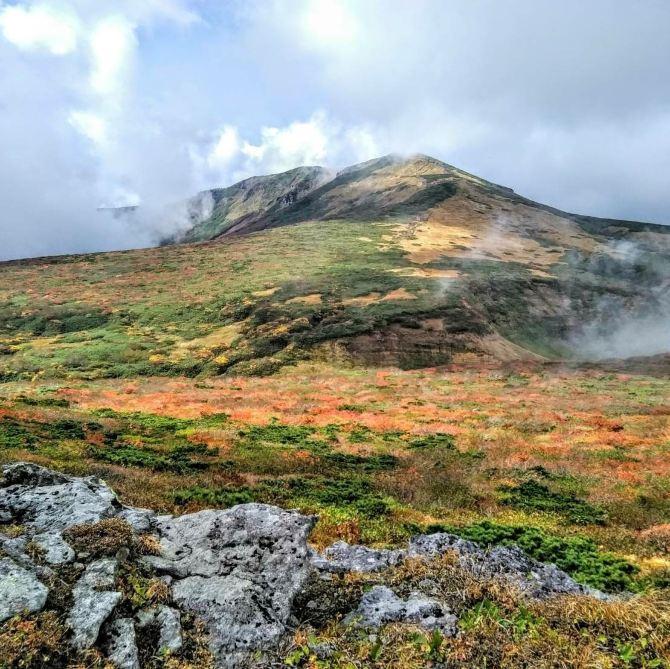 【神の絨毯と呼ばれる栗駒山】紅葉見頃時期-9月下旬~10月下旬