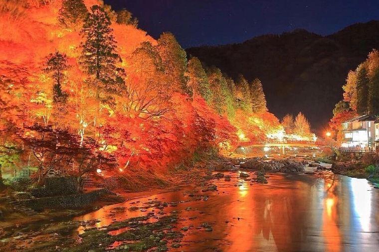 【香嵐渓】紅葉の見頃は11月上旬~11月中旬