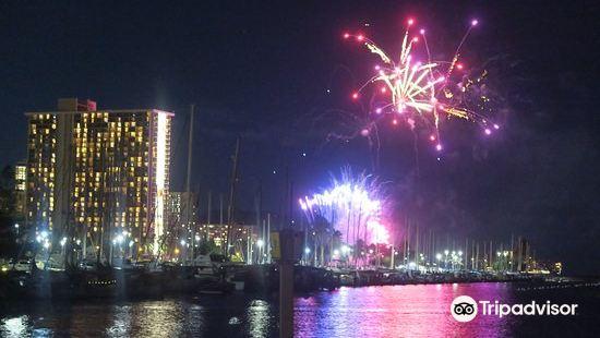 Friday Night Fireworks at Hilton Hawaiian Village Waikiki Beach Resort