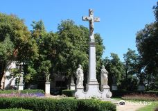 Statues of the Apostles-尼特拉
