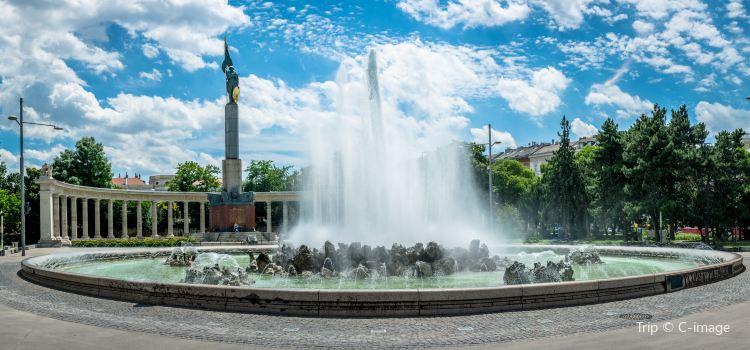 Schwarzenbergplatz1