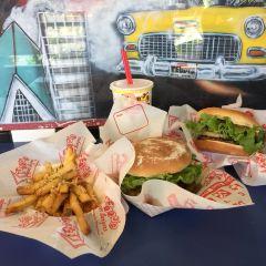 Teddy's Bigger Burgers User Photo