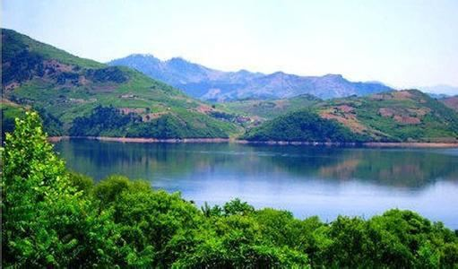 Mopan Lake
