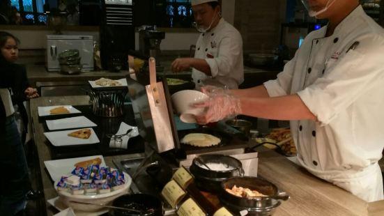 三亞灣皇冠假日度假酒店·星光全日餐廳