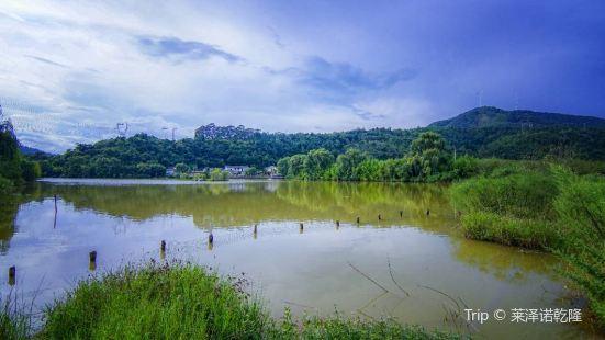 金色螳螂川風景區