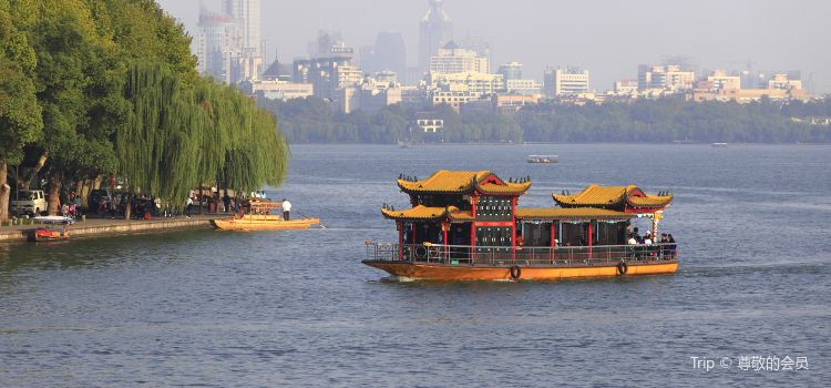 West Lake Cruise