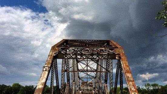 Bridge Drive-In