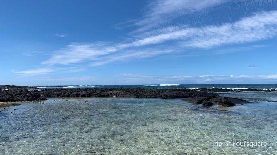 呼魯馬累島