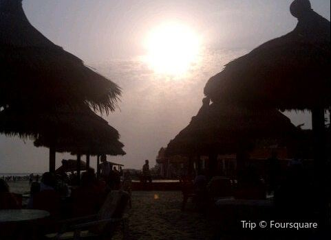 Labadi Pleasure Beach2