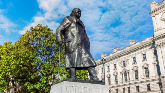 Winston Churchill Statue