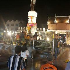 Thao Suranaree (Ya Mo) Monument User Photo