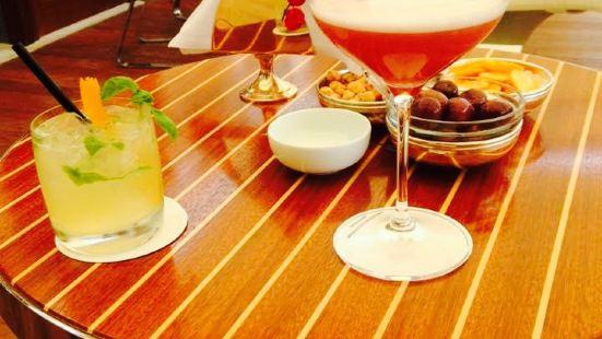 Bar Longhi