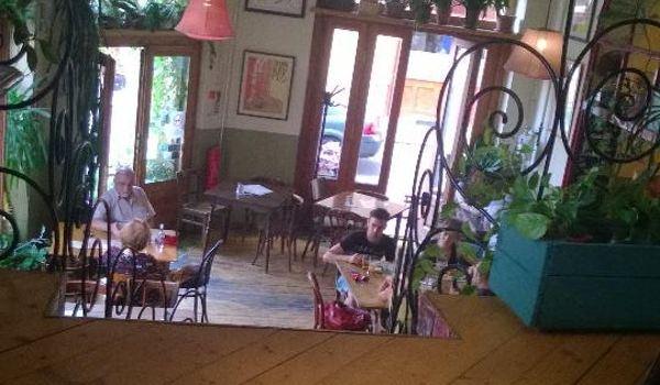 Cafe Csiga3