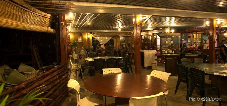 Kapal Layar Restaurant3