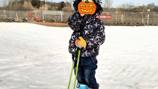 龍泉國際滑雪場