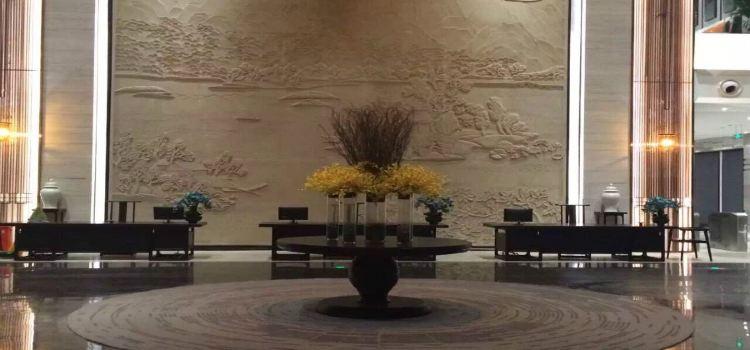 Longshui Lake Tourist Resort1