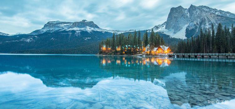 Emerald Lake1