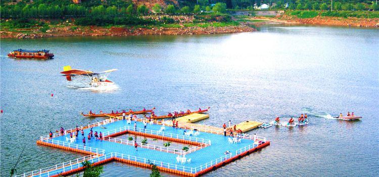 Red Rock Fort Travel Resort1