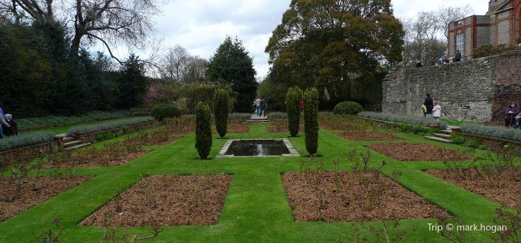 Eltham Palace and Gardens3