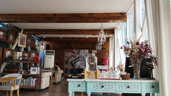 MW  Cafe Tea Rooms