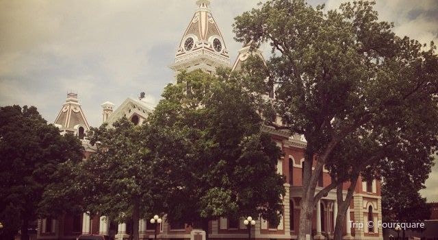 Livingston County Courthouse3