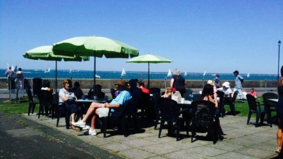 Shoreside Cafe