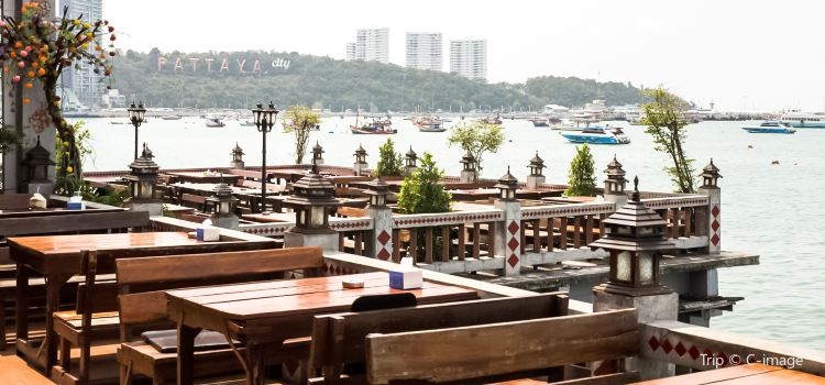 Pattaya Beer Garden2