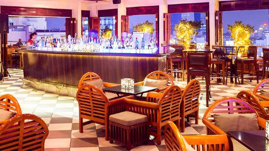 Saigon Saigon Rooftop Bar