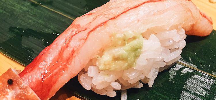 梅丘寿司の美登利银座店1
