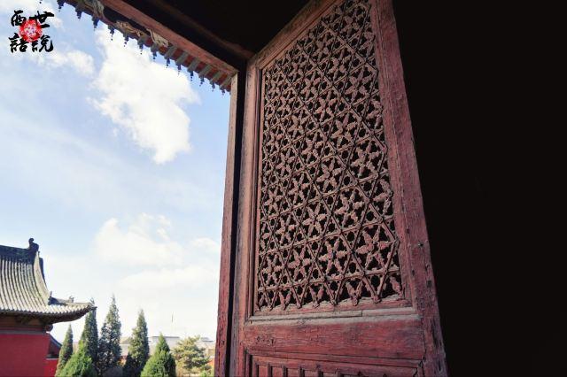 藏在鄉野小廟中的巨幅千手觀音像,持物驚悚 謎題至今未解