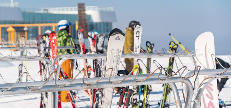 Wanlong Ski Resort2