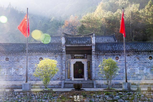 安徽大別山深處腳踩兩省的5A景區,被稱為華東最後一片原始森林