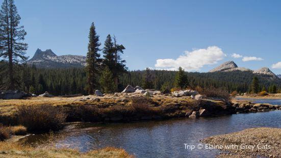 Yosemite Cathedral Lakes